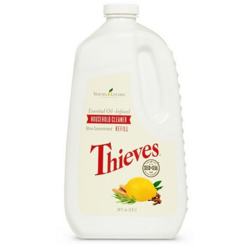 Een fles Young Living Thieves house hold cleaner refill van 1.8 liter