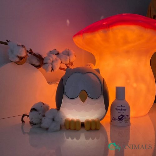 Young Living Feather the Owl diffuser met licht aan Webshop Oily Animals